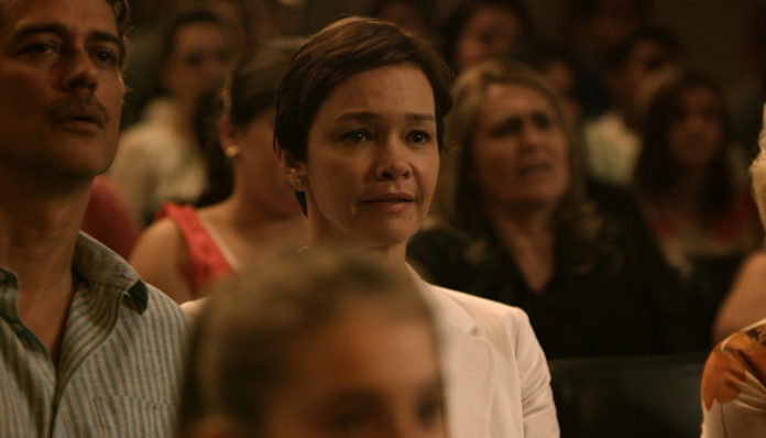 Júlia Lemmertz no filme Pequeno Segredo