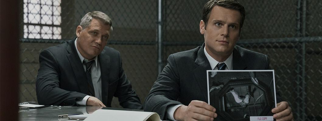 Jonathan Groff e Holt McCallany em Mindhunter (Netflix)