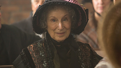 Margaret Atwood em participação especial em Alias Grace (Netflix)