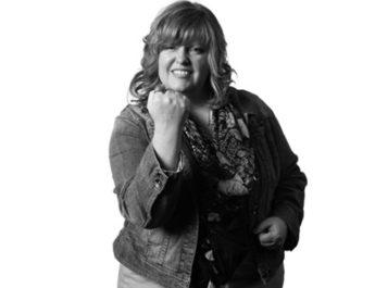 Gail Simone, artista norte-americana premiada em quadrinhos e animações é confirmada na CCXP 2017