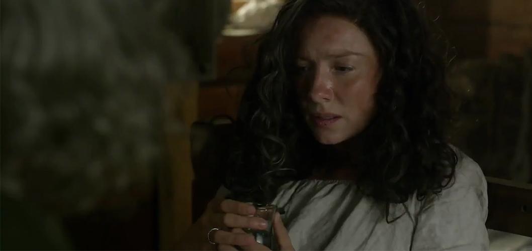 Caitriona Balfe como Claire em Outlander