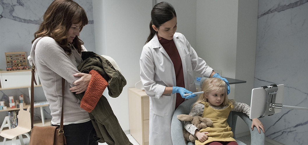 Aniya Hodge e Rosemarie DeWitt na 4ª temporada de Black Mirror