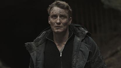Ulrich Nielsen (Oliver Masucci) na 1ª temporada da série Dark da Netflix