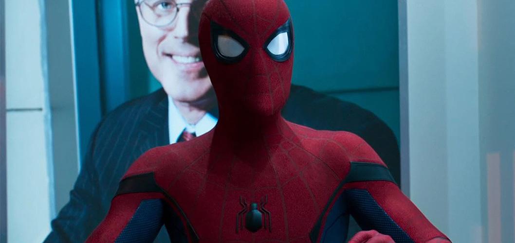 Tom Holland como Homem-Aranha em Homem-Aranha: De Volta ao Lar